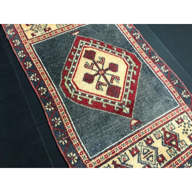 Turkish Oushak Small Wool Rug - 1′8″ × 2′11″ For Sale - Image 4 of 6