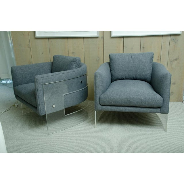 2000 - 2009 Pair of Milo Baughman Arm Chairs With Rounded Lucite Backs For Sale - Image 5 of 5