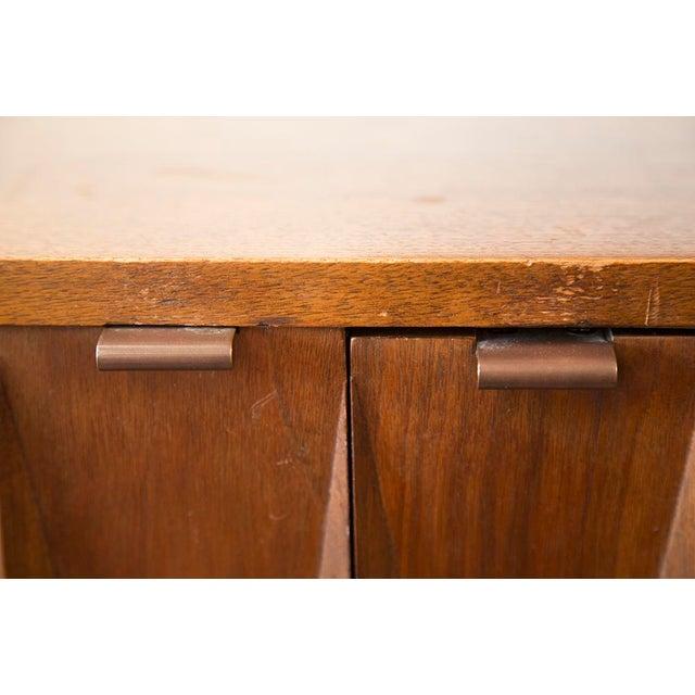American of Martinsville Walnut Diamond Front Dresser - Image 5 of 10