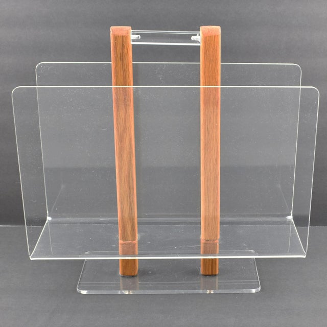 Late 20th Century Grosfeld House 1970s Lucite and Oak Wood Magazine Rack Stand For Sale - Image 5 of 7