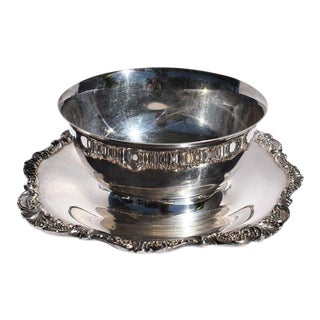 Silverplate Baroque Sauce or Gravy Bowl With Underplate by Wallace - 2 Pieces For Sale