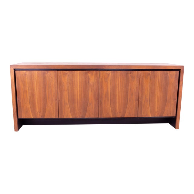 Mid Century Milo Baughman for Dillingham Bookmatched Walnut Sideboard Buffet For Sale