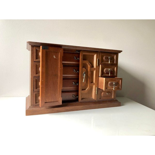 Mid Century Wooden Jewelry Box For Sale In Atlanta - Image 6 of 11