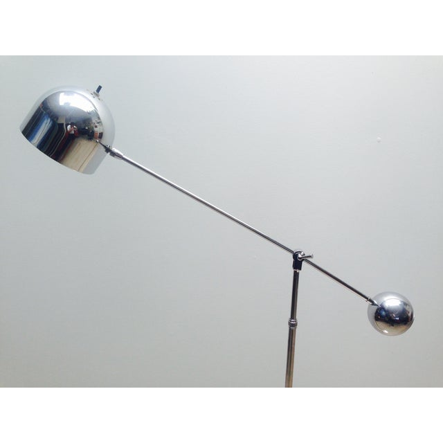 Mid Century Chrome Counterweight Floor Lamp For Sale In Los Angeles - Image 6 of 8