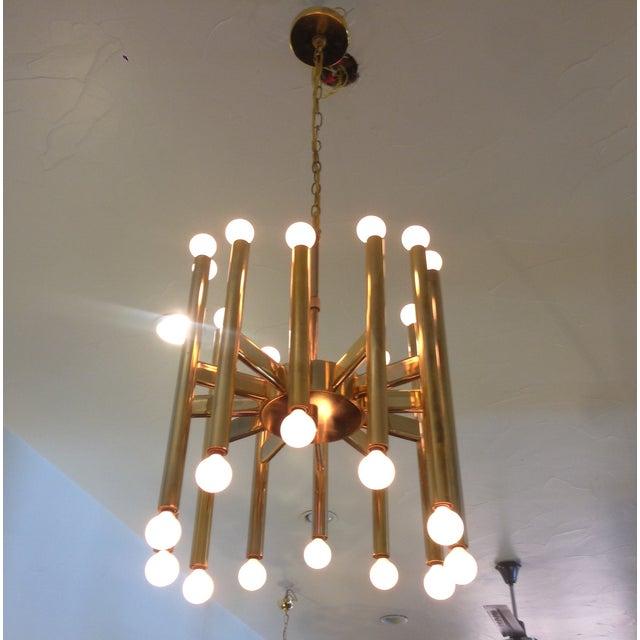 Sciolari Brass Sculptural 24 Lights Chandelier For Sale - Image 5 of 10