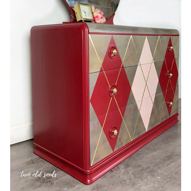Art Deco 1940s Art Deco Argyle Dresser With Round Mirror For Sale - Image 3 of 7