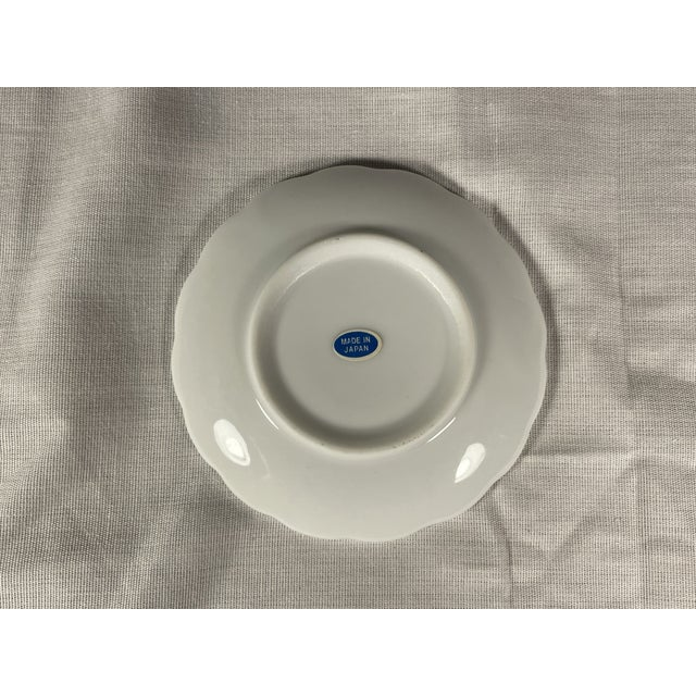 Victorian 1960s Miniature Blue Willow Pattern Scalloped Edge Saucer, Japan For Sale - Image 3 of 4