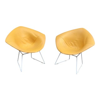 Harry Bertoia for Knoll Diamond Chairs - a Pair For Sale