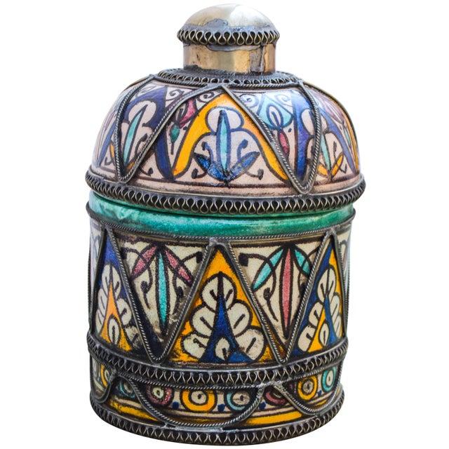 Andalusian Filigree Ceramic Box For Sale - Image 9 of 13