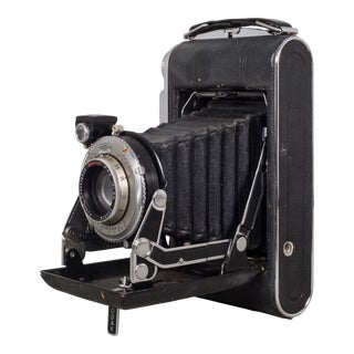 "Antique Kodak ""No. 1 Supermatic"" Folding Camera and Leather Case C.1930 For Sale"