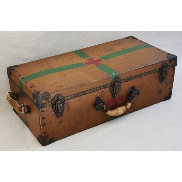 Circa 1940s Military Medical Suitcase w/ Cross For Sale - Image 4 of 11