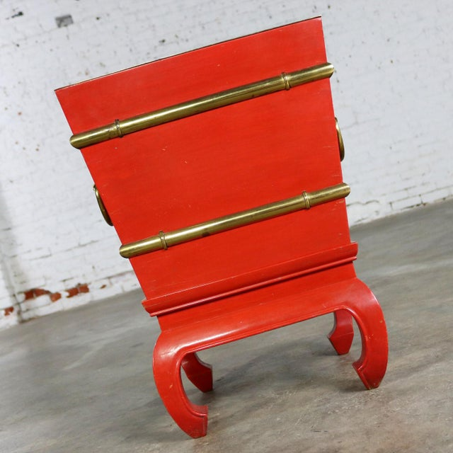 Mid-Century Modern Chinese Red Lacquer and Brass Accent Table Removable Ice Chest Style on Hoof Foot Base For Sale - Image 3 of 13