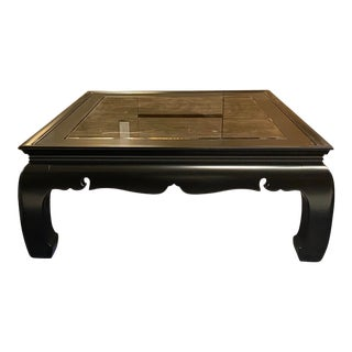 Newly Lacquered Coffee Table With Smoking Dark Class For Sale