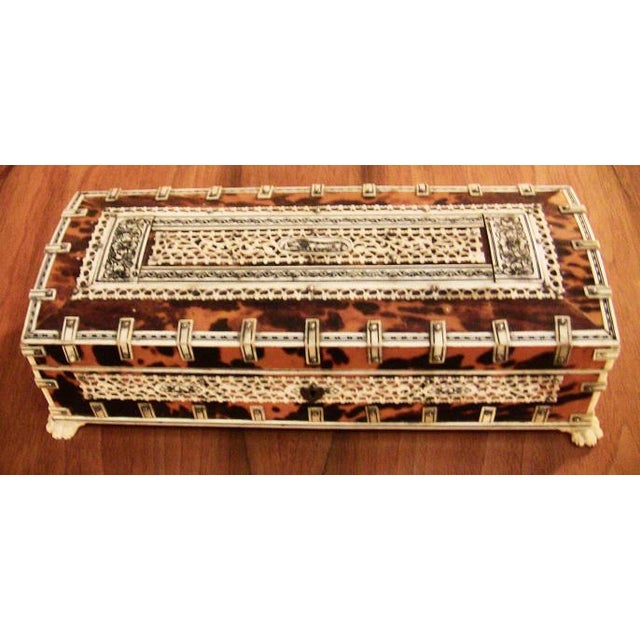 Anglo-Indian 19c Anglo Indian Vizagapatam Bone and Shell Glove Box For Sale - Image 3 of 7
