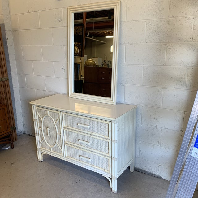 Oh, Henry! You always outdo yourself! Fabulous vintage dresser in that mid-size you have been looking for! Three drawers...