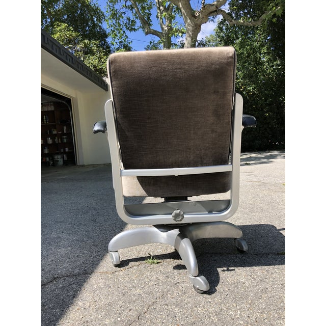 Emeco 1950s Vintage Emeco Swivel Chair For Sale - Image 4 of 7