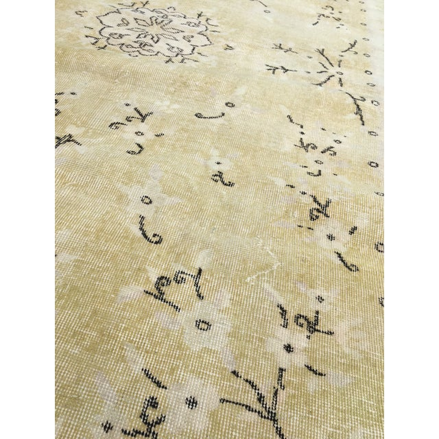 1980s 1980s Yellow Oushak Anatolian Lowpile Distressed Rug - 6′2″ × 9′4″ For Sale - Image 5 of 8