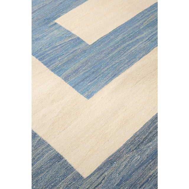 Contemporary Schumacher Kilim Area Rug in Hand-Woven Wool, Patterson Flynn Martin For Sale - Image 3 of 7
