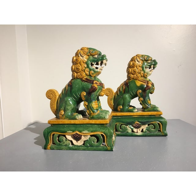 1920s 1920s Chinese Sancai Glazed Foo Lions - a Pair For Sale - Image 5 of 11