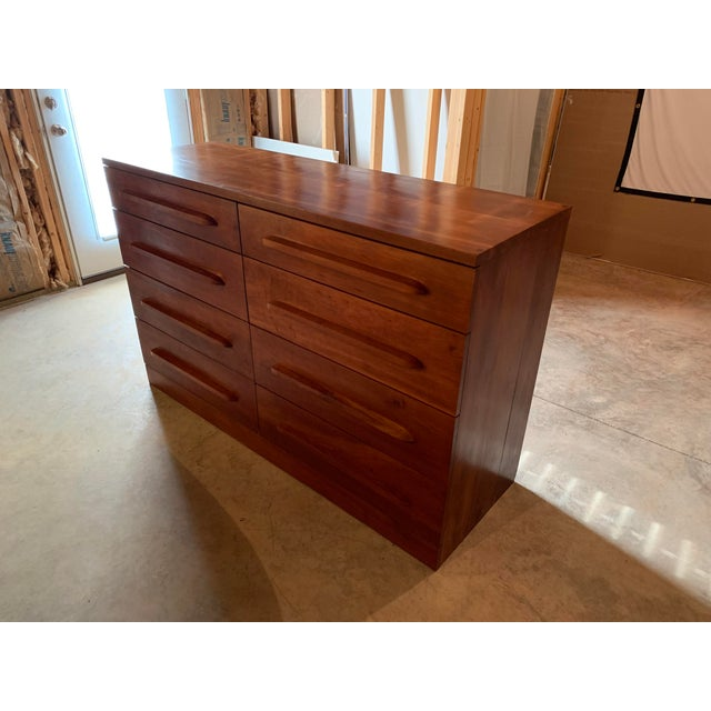 20th Century Cherry Eight Drawer Dresser For Sale In Lexington, KY - Image 6 of 6