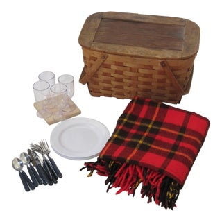 Vintage Picnic Basket Set With Wool Plaid Blanket For Sale