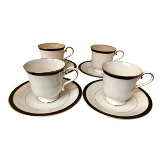 Classic Black Rimmed Tea Cups, Set of 4 For Sale