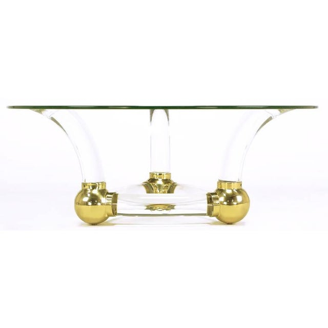1970s Round Coffee Table With Thick Curved Lucite & Brass Ball Base For Sale - Image 5 of 8