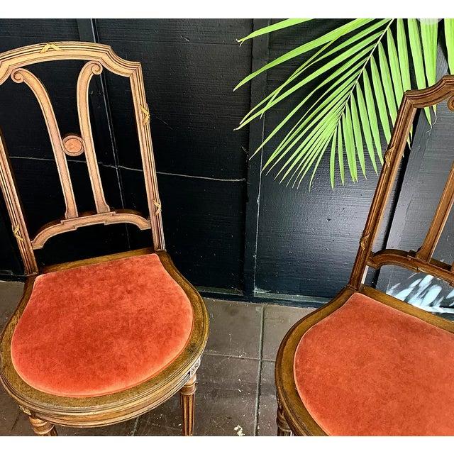 1910s Vintage French Blush Velvet Chair For Sale - Image 4 of 5