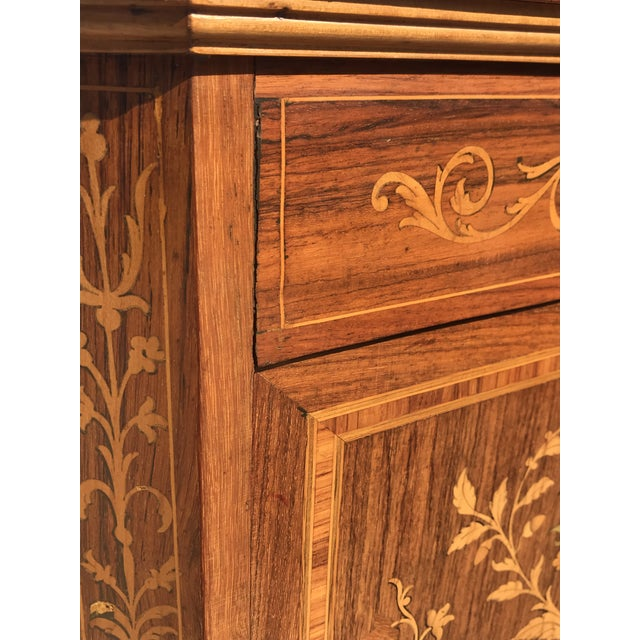 19th Century English Traditional Marquetry Dry Bar Cabinet For Sale - Image 4 of 13