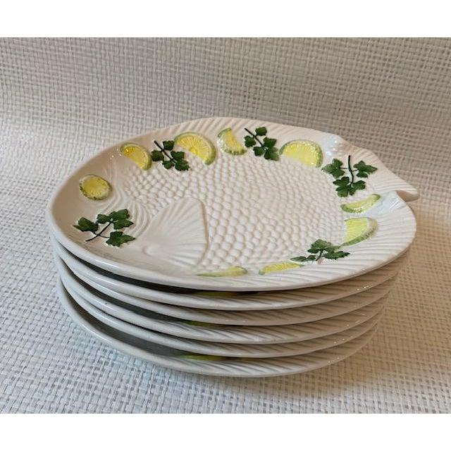 1970s Vintage Set Italian Majolica Bassano Fish Plates - Set of 6 For Sale - Image 4 of 6