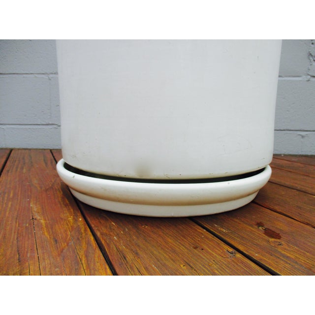 Mid-Century Off-White Ceramic Planter Gainey Style Architectural Pottery - Image 9 of 11