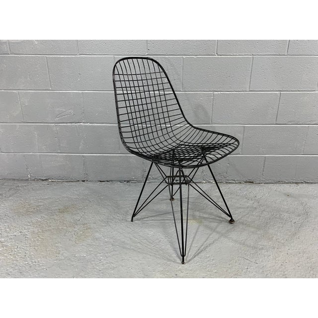Charles Eames Wire Eiffel DKR Chair in Black Coated Metal For Sale - Image 10 of 10