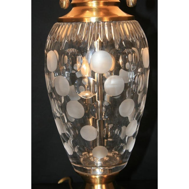 Dale Tiffany Etched Crystal Glass & Brass Table Desk Lamp With Shade Decorator For Sale - Image 5 of 11