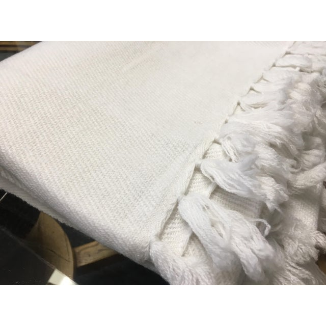 White Cashmere Blanket With Tassels - Image 7 of 11