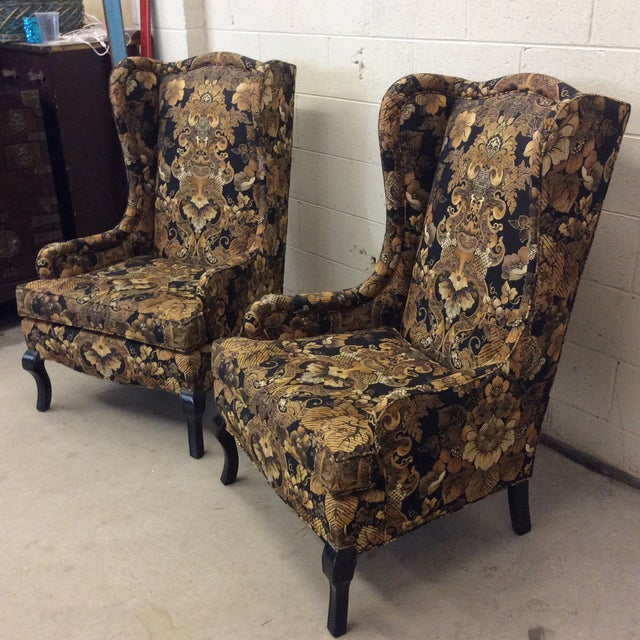 Black and gold is back, baby! You are probably getting tire of hearing me say that. I love these chairs. The upholstery is...