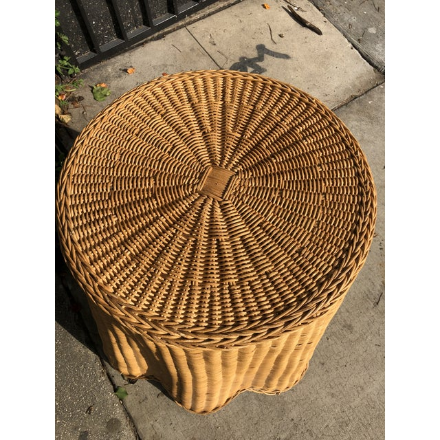 1970s Mid-Century Modern Trompe l'Oeil Rattan Ghost Side Table For Sale In Los Angeles - Image 6 of 7