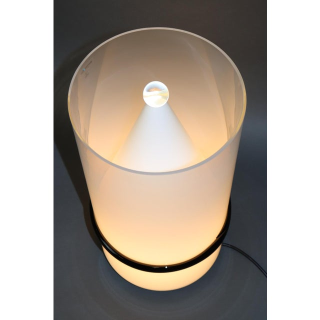White Mid-Century Modern Murano Glass Table Lamp For Sale - Image 8 of 13