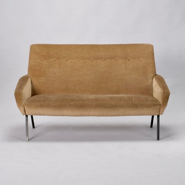 Tan Mid-Century Italian Settee in the style of Marco Zanuso For Sale - Image 8 of 8