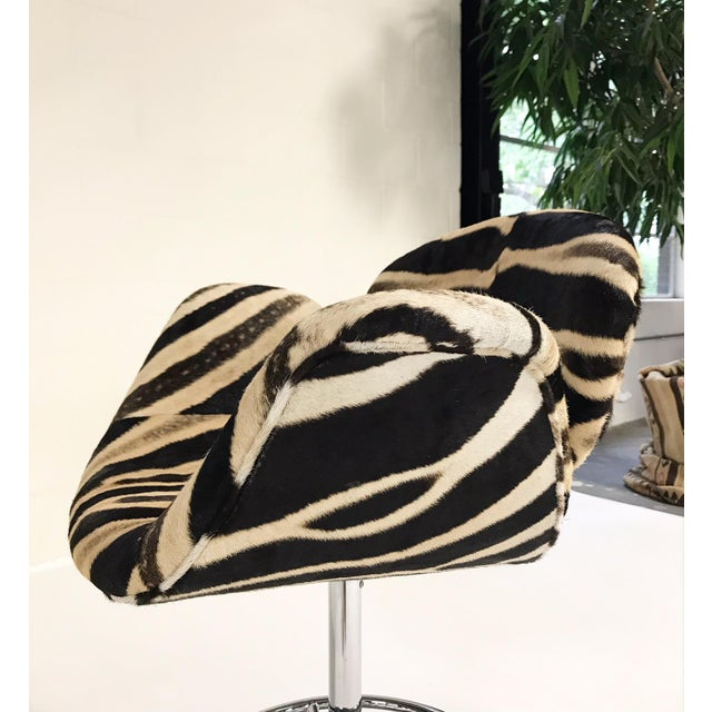 Vintage Pierre Paulin Tulip Bar Stool Chairs Restored in Zebra Hide - Set of 3 For Sale In Saint Louis - Image 6 of 9