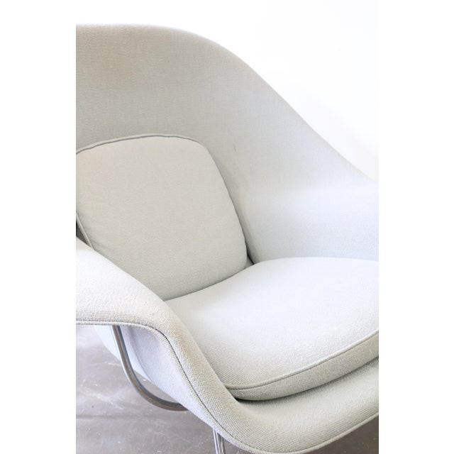 Gray Pair of Knoll Womb Chairs by Eero Saarinen For Sale - Image 8 of 12
