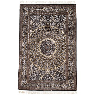 Pasargad Persian Isfahan Korker Wool & Silk Highlighted Rug - 4′10″ × 7′6″ For Sale