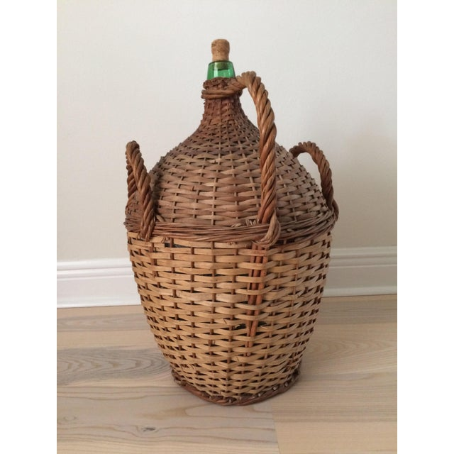 Early 20th Century Vintage French Country Wicker Wrapped Demijohns With Handles - a Pair For Sale - Image 5 of 9