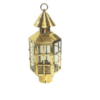 Vintage Brass Georgian/Nantucket Style Hexagonal Post Lantern/Exterior Lamp For Sale