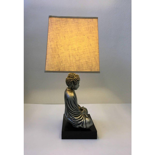 Mid-Century Modern Silver and Black Lacquered Buddha Table Lamp For Sale - Image 3 of 10