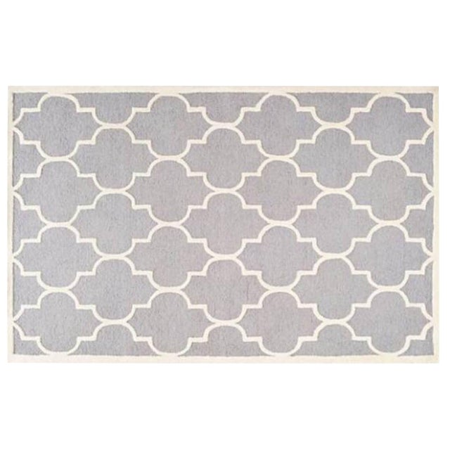 Carly Silver & Ivory Contemporary Rug - 6′ × 6′ For Sale