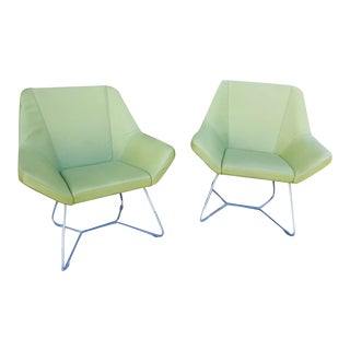 Keilhauer Cahoots Relax 9020 on Sled Base Chairs - a Pair For Sale
