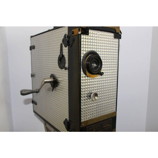 Universal Cinema Camera Built in 1928. Rare Cinema Field Camera. Display As Sculpture. For Sale - Image 4 of 9