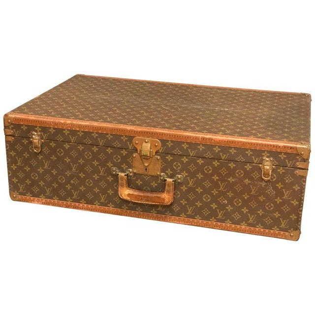 Louis Vuitton Suitcase in the Iconic Monogram Canvas For Sale - Image 12 of 12