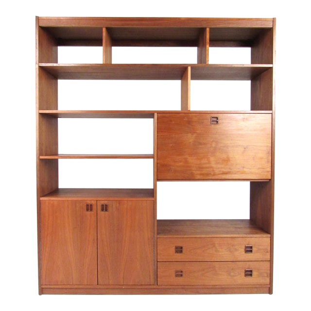 Mid-Century Walnut Bookcase or Wall Unit For Sale
