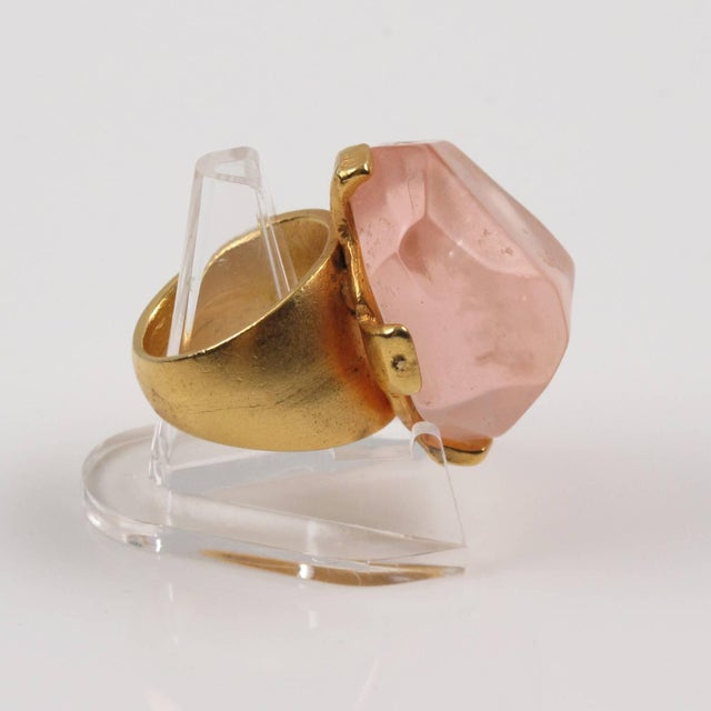 Dominique Denaive Paris Oversized Pink Resin Stone and Gilt Metal Cocktail Ring For Sale - Image 4 of 11